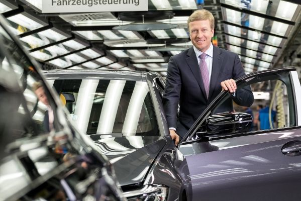 Choice of new BMW CEO solidifies automakers electric plans