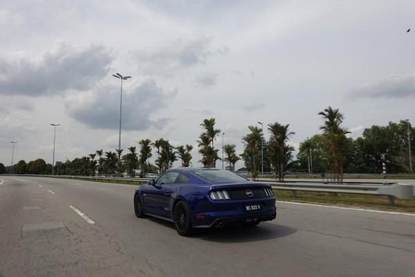 Ford Mustang 5.0 V8 GT Review: A Taste of American Muscle