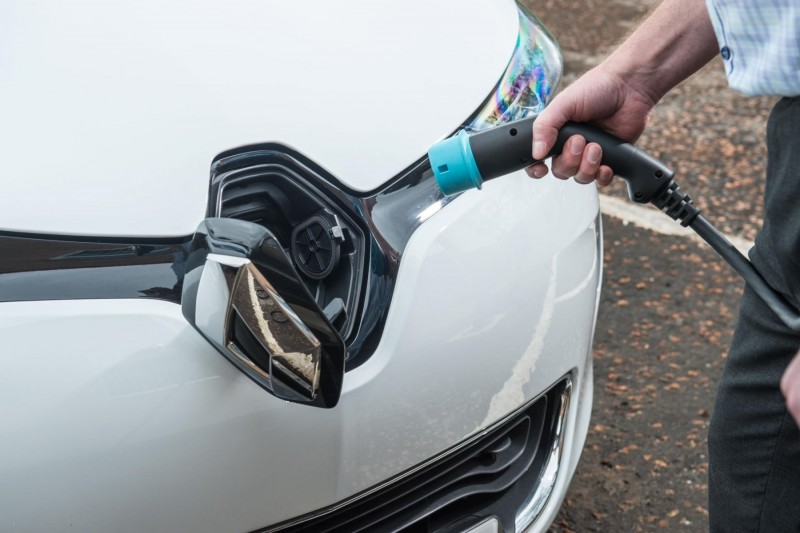 More car buyers planning to 'go electric'