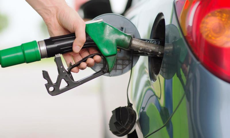 UK motorists will spend £7.8bn on fuel this Christmas
