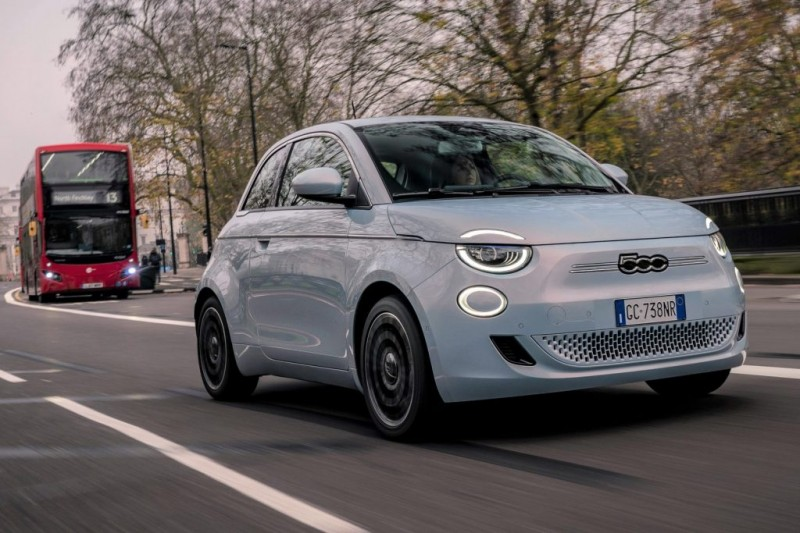 Fiat 500 is electric 'car of the year'